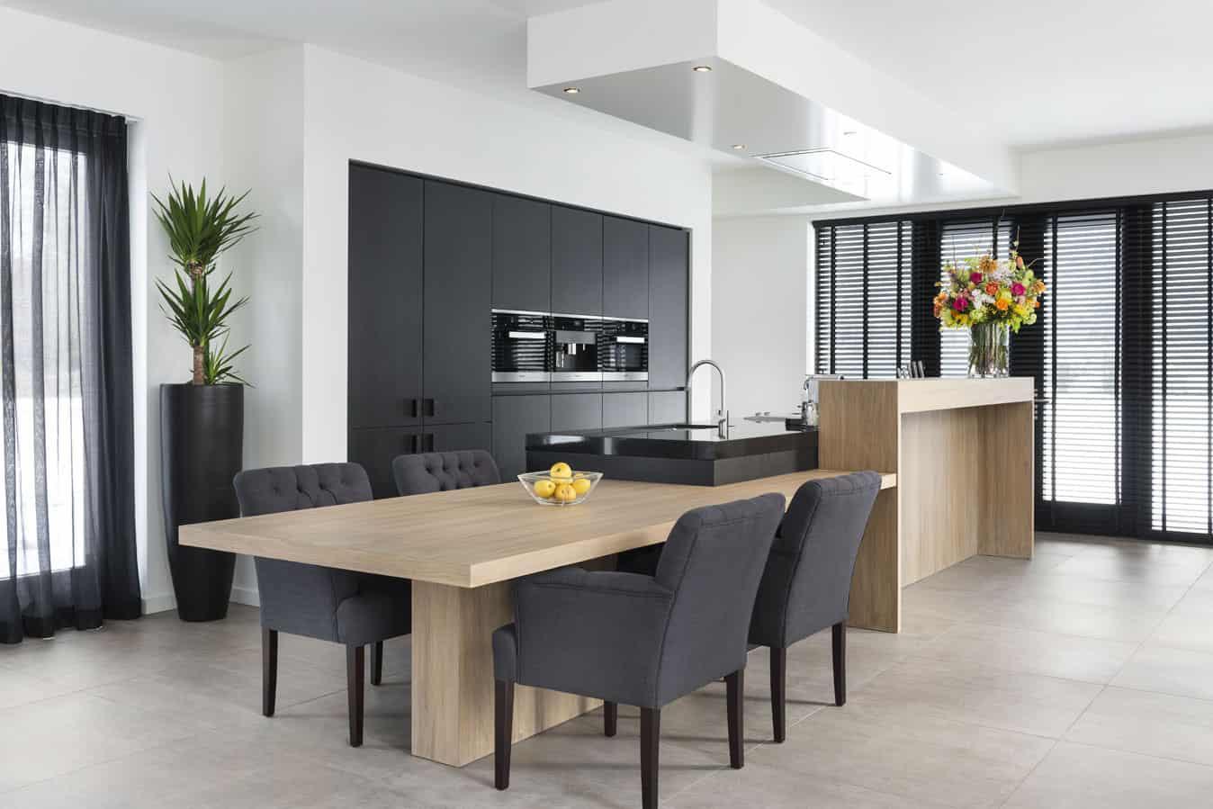 Moderne Keuken Met Bar